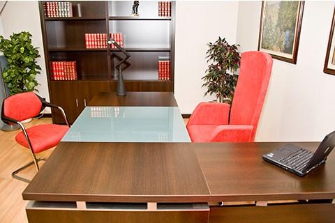 detalle terminación de mesa con badem y ala auxiliar serie lomata