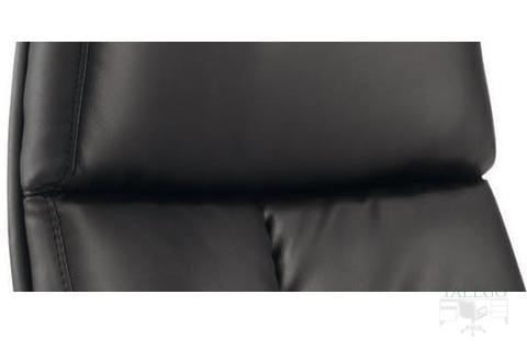 Detalle del cabecero integrado en el sillón modelo Dublinta