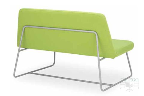 Vista trasera de sofa de espera modelo carina con estructura métalica tubo redondo
