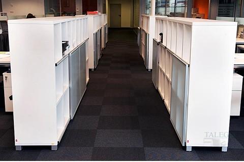 Montaje de armarios cubic para almacen de documentos