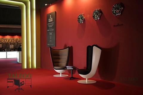 Ambiente relajante creado por dos sofas badmington