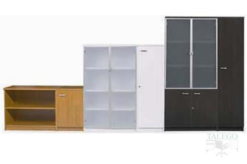 Muesta de diferentes alturas y combinacion de puertas en armarios ch