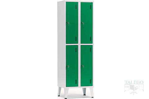 Taquillas de 4 puertas en dos grupos acabada en verde