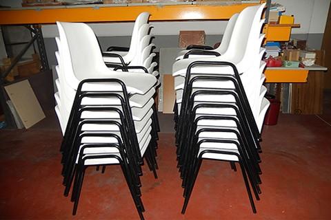 Muebles talego muebles de oficina y hosteler a madrid y for Sillas blancas apilables