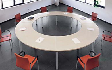 Mesa Cool redonda realizada con mesas modulares