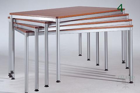 Mesas de la serie dynamic apiladas para almacen