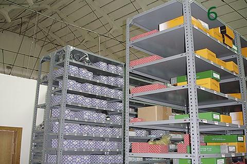 Bandejas de tornillos utilizados para gran almacen