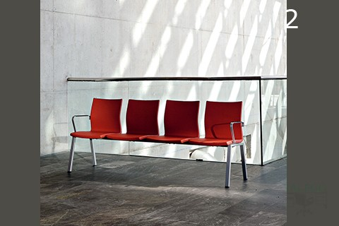 Bancada Sala de espera modelo Ber Uma en rojo de cuatro asientos