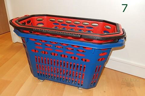 Ejemplo de apilamiento de cesta de compras con ruedas
