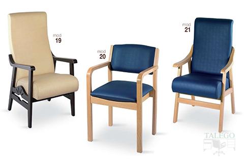 Sillones modelo gh 19,20 y 21 de madera tapizados en azul y beige