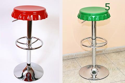 Taburete alto de bar modelo chapas en rojo y verde